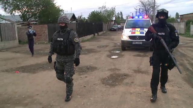 Alertă în Prahova. Autorităţile caută de trei zile un deţinut care a evadat