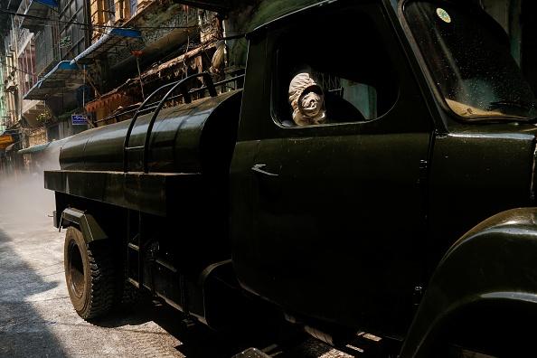 Un vehicul al OMS care transporta probe de coronavirus, atacat în Myanmar