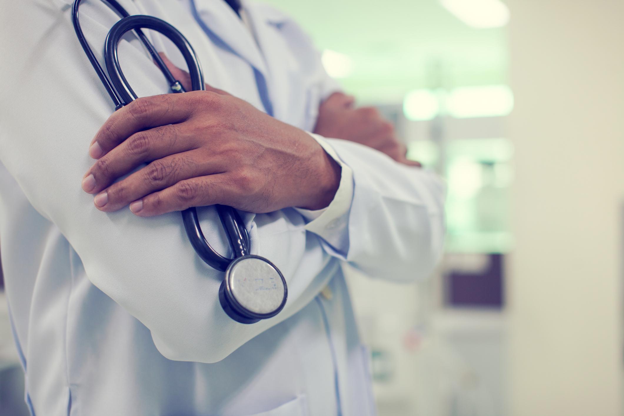 Un medic ORL-ist din Vaslui, testat pozitiv pentru Covid-19. A intrat în contact cu zeci de persoane