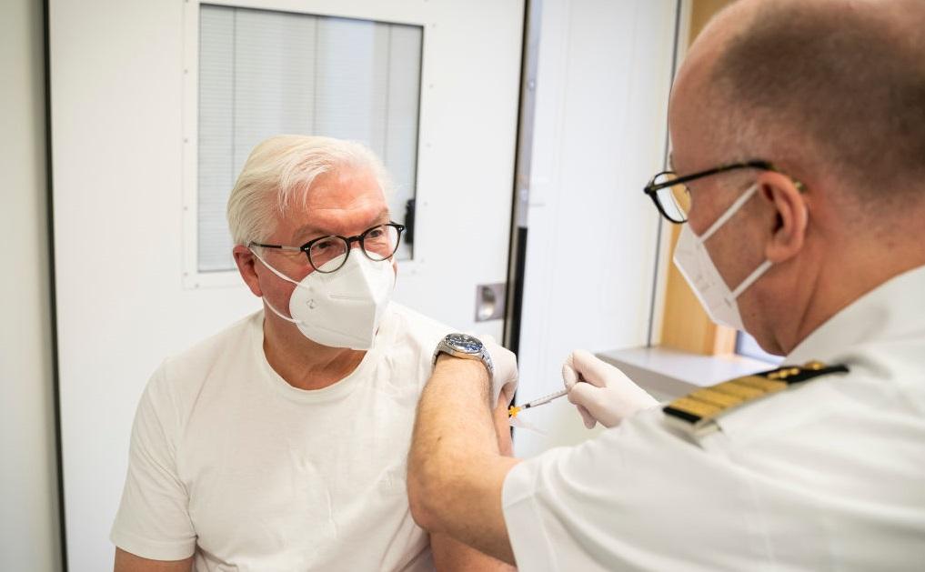 Președintele Germaniei, Frank-Walter Steinmeier, s-a vaccinta anti-Covid cu AstraZeneca