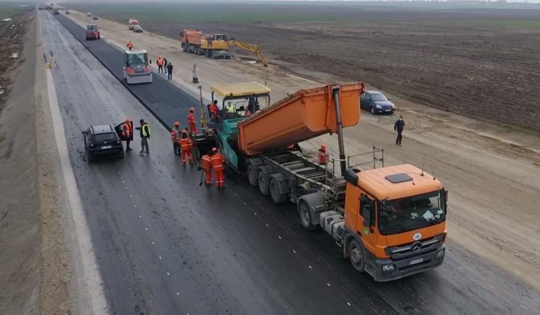 Statul plătește daune de sute de milioane de euro pentru autostrăzi inaugurate în campanii electorale, înainte de finalizare