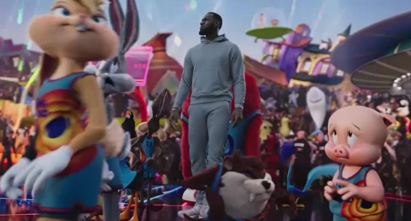 LeBron James și Bugs Bunny fac echipă în