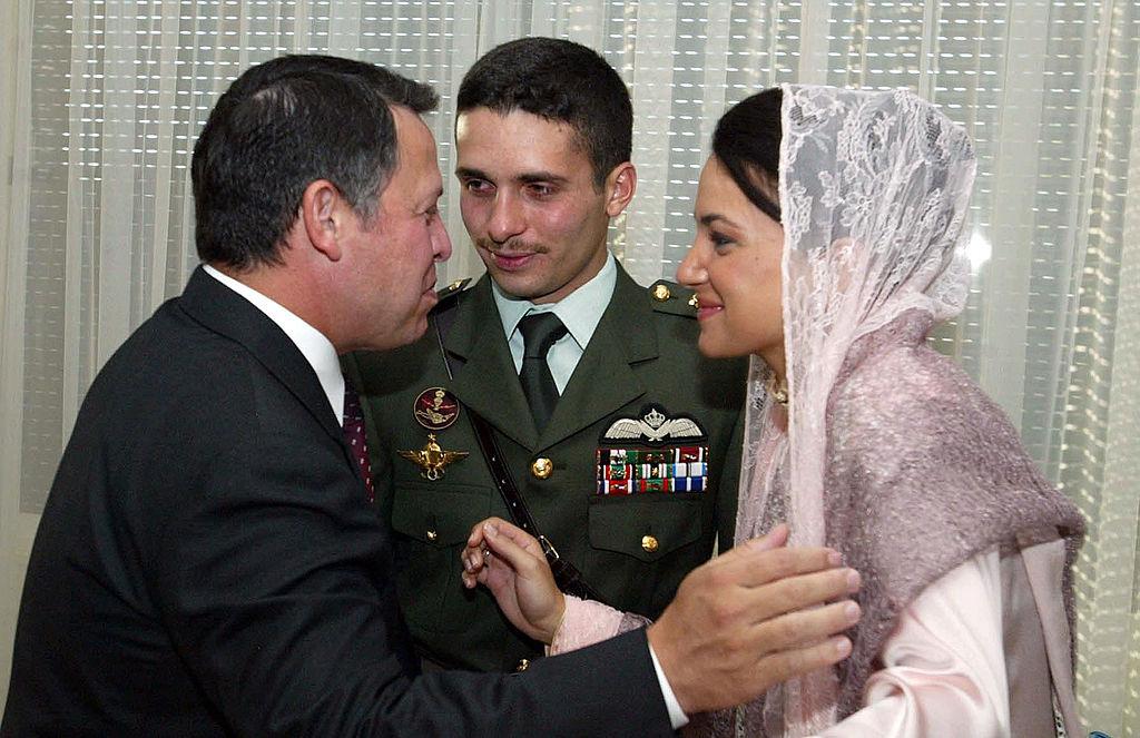 """Prinţul Hamza al Iordaniei afirmă că nu va da ascultare """"ordinelor"""" armatei"""