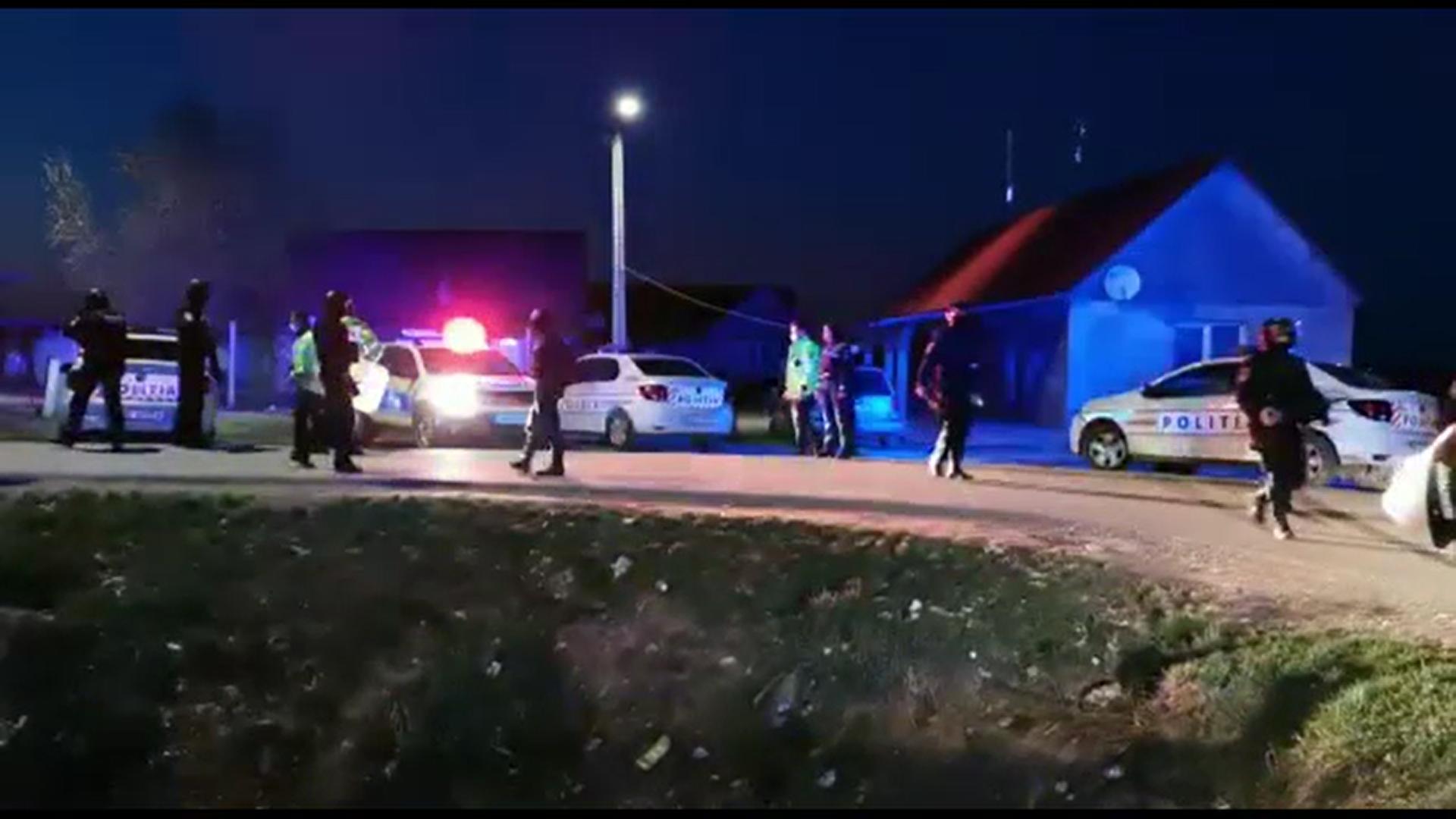 Scandal cu împușcături și răniți într-o comună din Satu Mare. Trei persoane au fost reţinute pentru 24 de ore