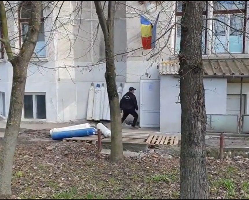 """Pericol de incendiu la un spital din Târgu Mureș, sesizat de Emanuel Ungureanu. """"Tuburi de oxigen"""""""