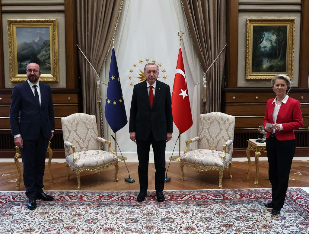 VIDEO. Moment stânjenitor la Ankara. Ursula von der Leyen, lăsată fără scaun la întâlnirea cu Erdogan