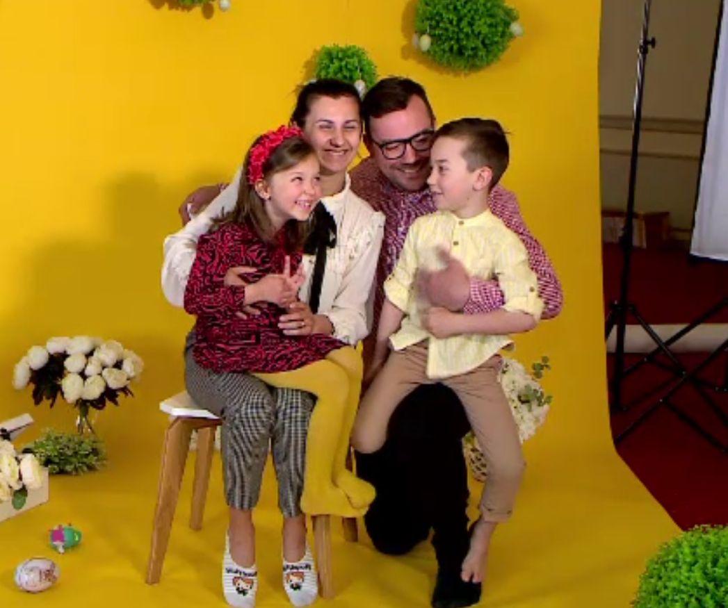 Pozele cu familia de Paște, la mare căutare. Fotografii de nunți și botezuri s-au reorientat