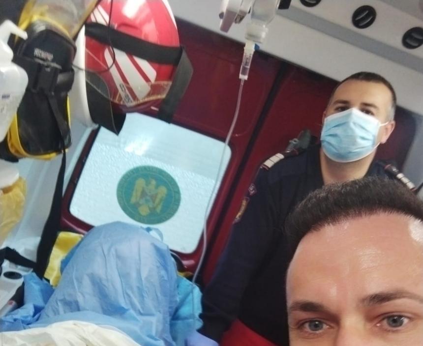 O tânără a născut un băiat sănătos în ambulanța SMURD, la Arad