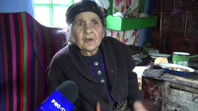 """Bătrână atacată de nepot, pentru că a refuzat să îi dea bani. """"Totdeauna vorbea frumos cu mine"""""""