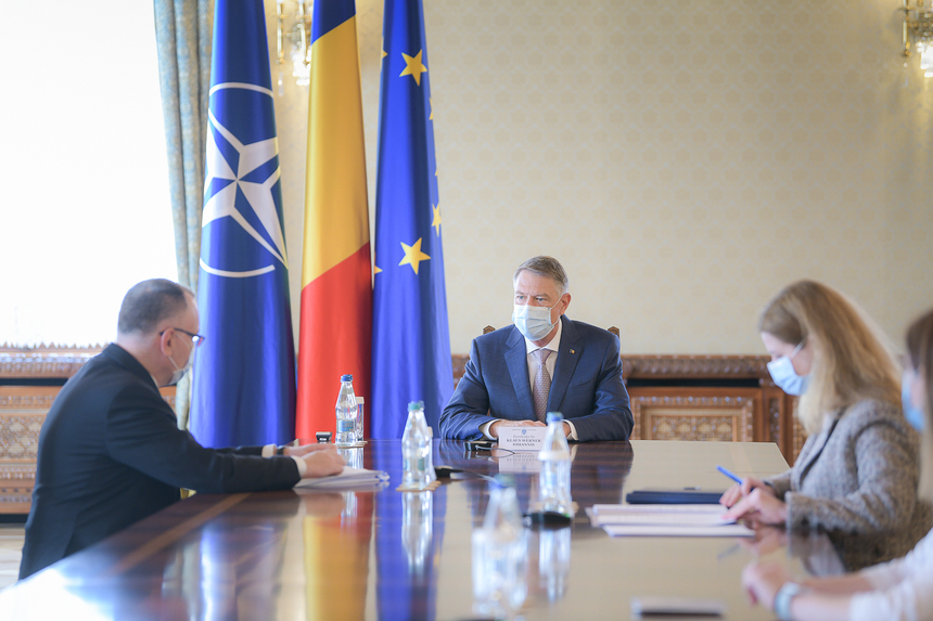 Klaus Iohannis a discutat cu ministrul Educației, Sorin Cîmpeanu, despre reluarea cursurilor după actuala vacanță