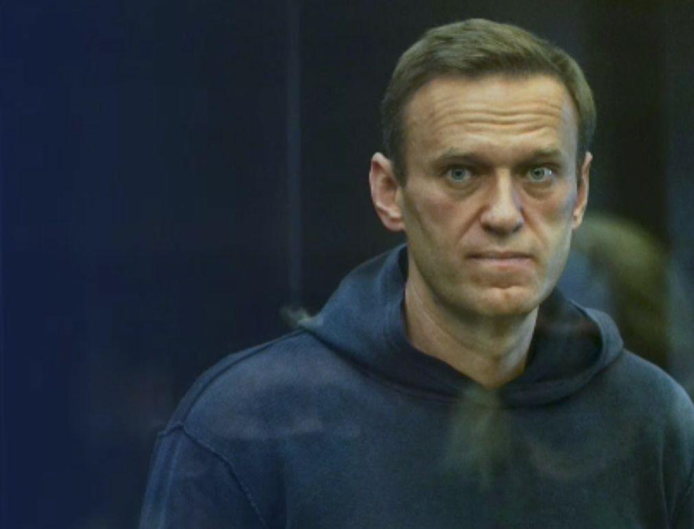 Medici: Navalnîi poate suferi în orice moment un stop cardiac