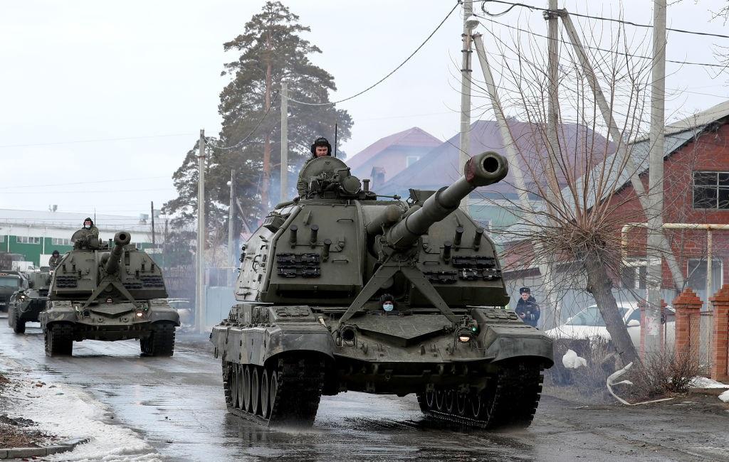 Raab: Regatul Unit şi SUA se opun ferm campaniei dusă de Rusia pentru destabilizarea Ucrainei