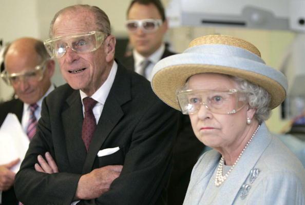 """Prințul Philip, """"figura centrală morocănoasă"""" a Familiei Regale. Lucruri mai puțin știute despre rolul său"""