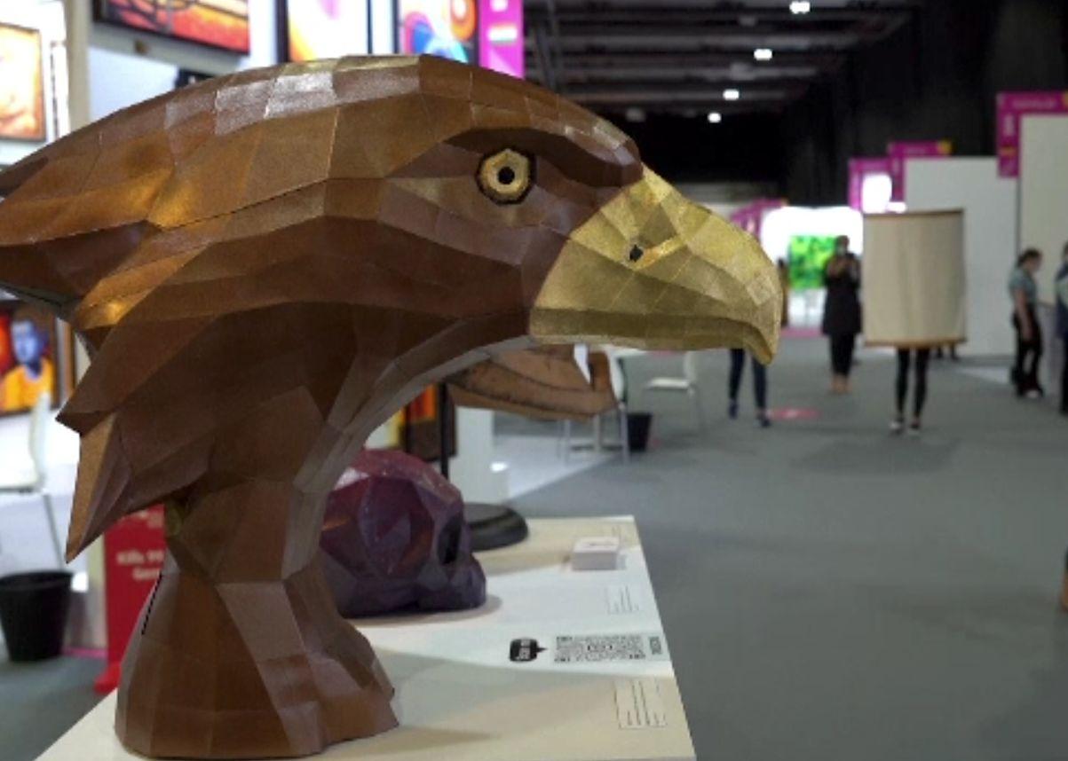 Târg de artă digitală, în Dubai. O parte din lucrări au fost realizate de roboți