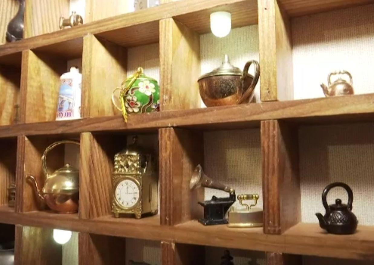 Muzeu al ceainicelor, în apartamentul unei femei din Ucraina. A adunat obiectele șapte ani