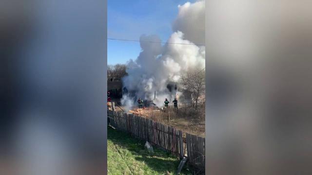 O femeie din Neamț a murit carbonizată, în propria locuință. Cum a reușit să scape soțul ei