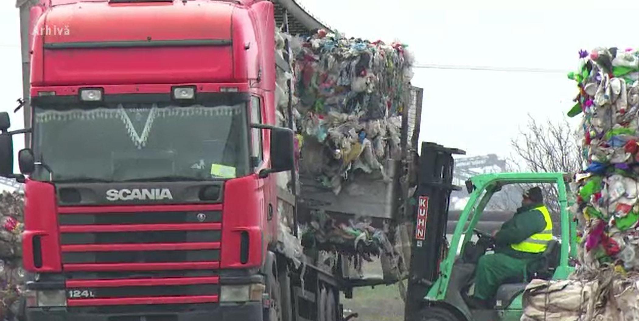 Cum este statul păgubit de firme care reciclează gunoaie doar pe hârtie