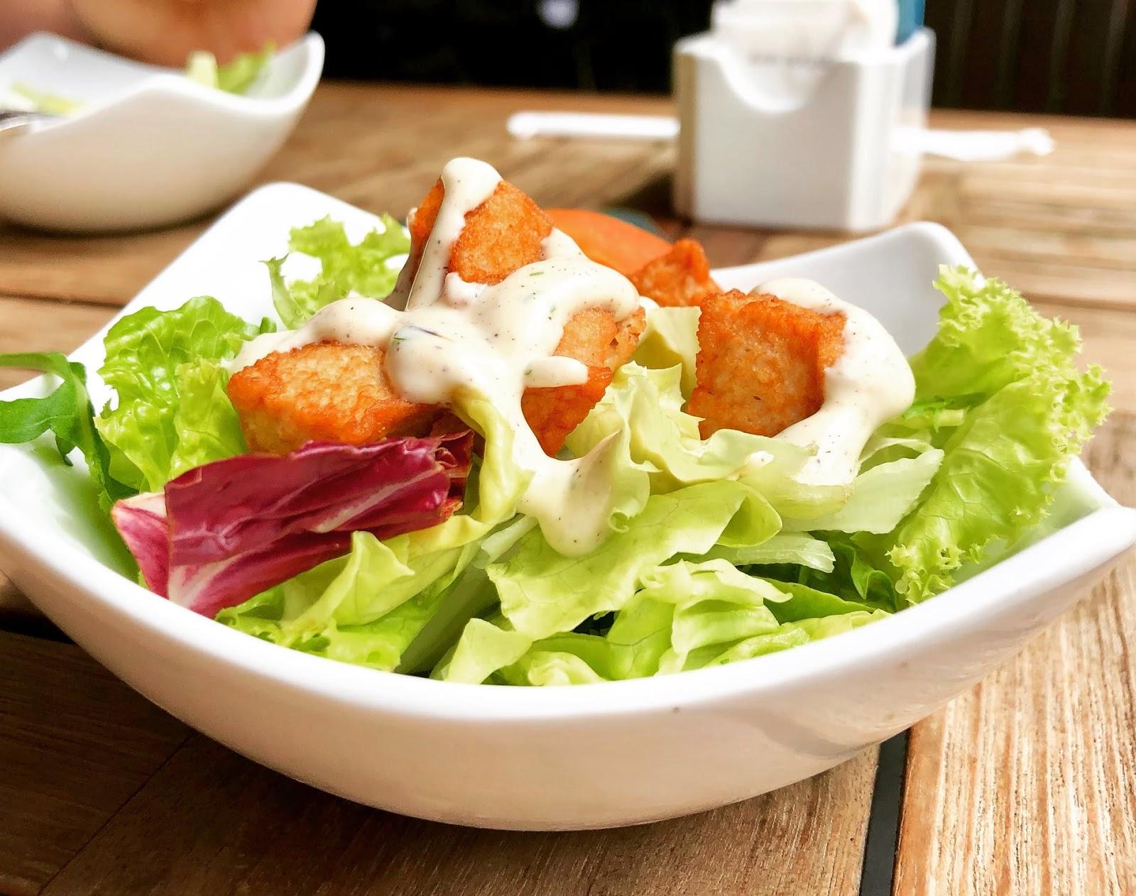(P) Top 5 salate gustoase pentru o dietă sănătoasă