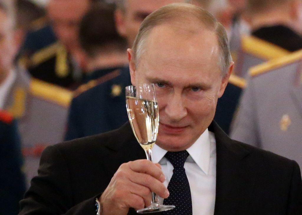 """Țările """"neprietenoase"""" vor avea mai puțin personal diplomatic în Rusia. Legea semnată de Putin"""