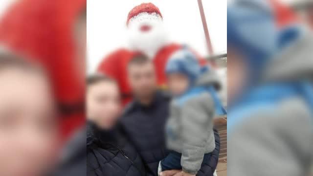 Un bărbat și-a luat copilul în brațe și a amenințat că se aruncă de la etajul 9. A fost reținut pentru șantaj