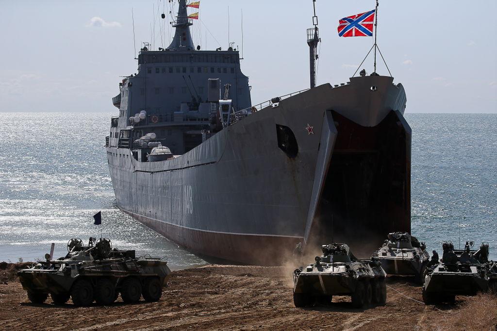 Rusia trimite nave de război în Marea Neagră, pe fondul tensiunilor din estul Ucrainei