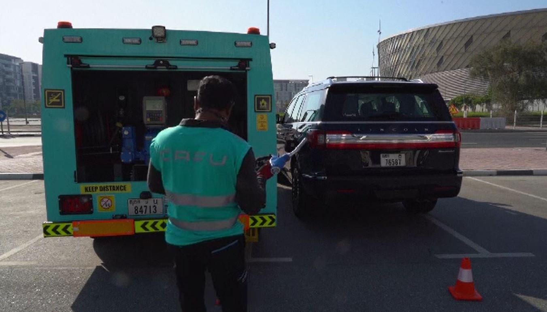 Șoferii din Dubai au scăpat de grija alimentării mașinii. Cum pot să facă plinul oriunde s-ar afla