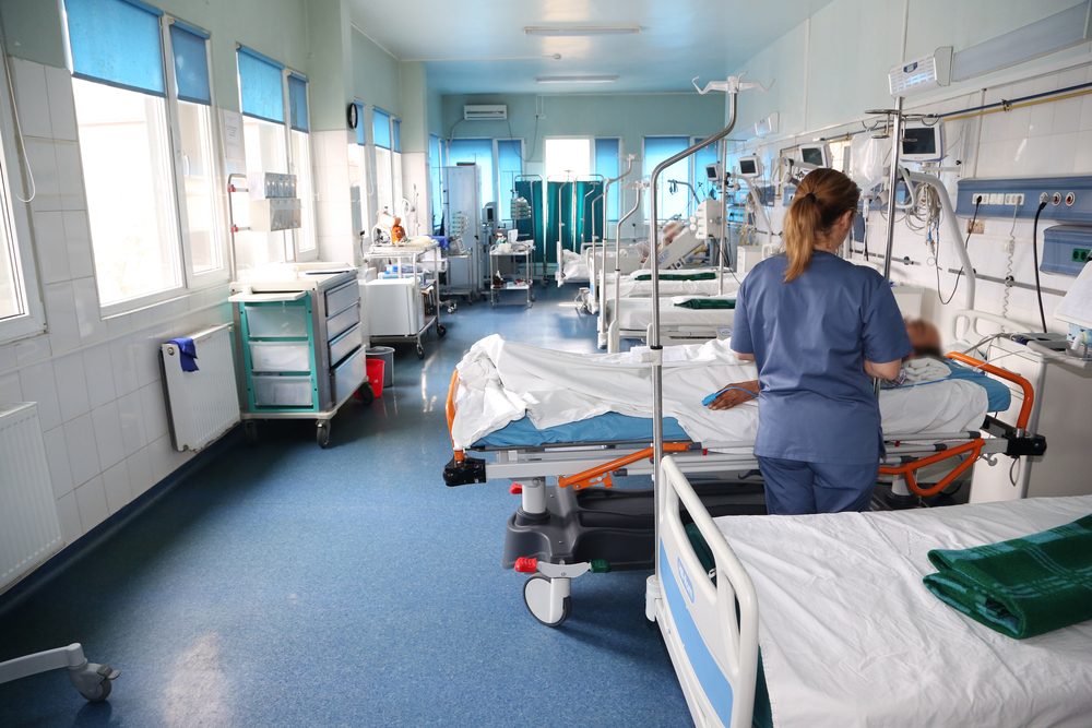 Doi soți din Arad s-au îmbolnăvit de botulism. Tratamentul nu există în România, dar a fost găsit un ser în Republica Moldova