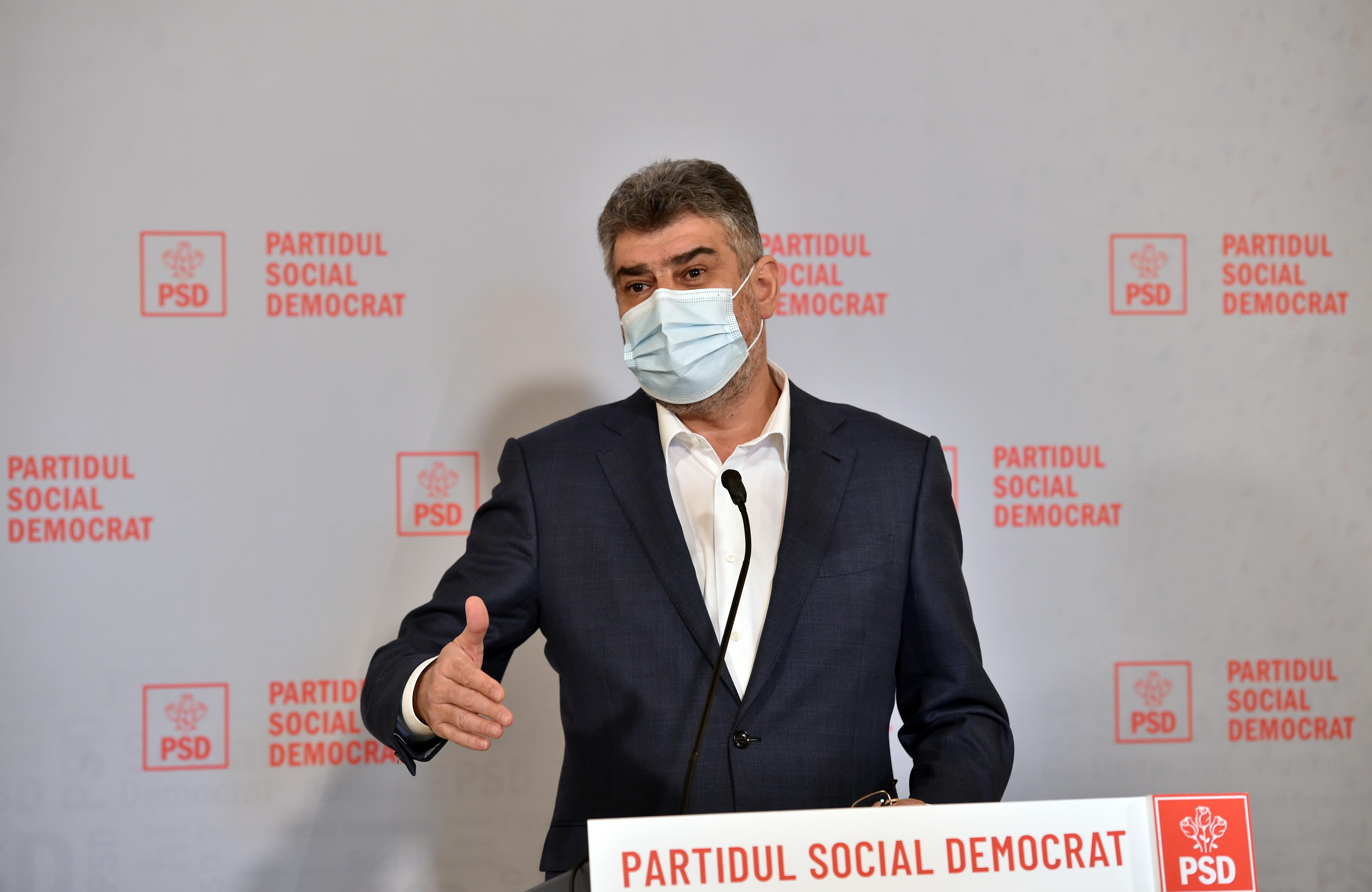 """Marcel Ciolacu ironizează clipurile miniștrilor pro-vaccinare. """"E Sophia Loren Raluca Turcan? """""""