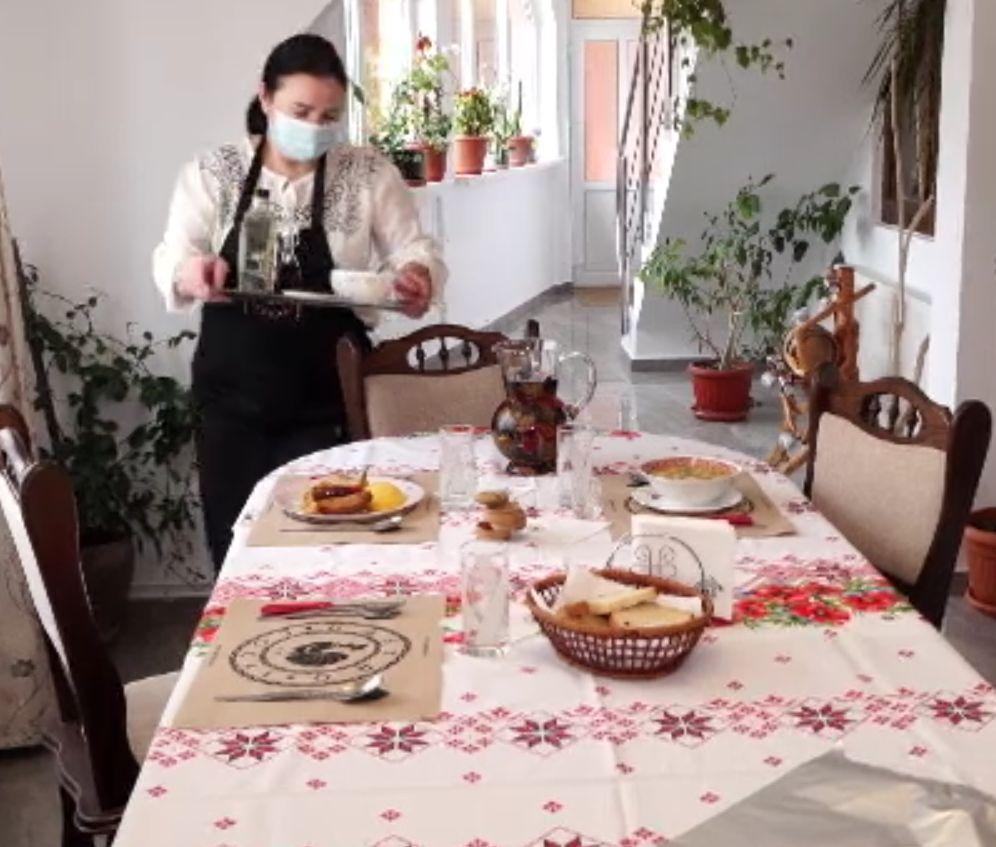 Bucate țărănești pentru turiști în punctele gastronomice. De ce n-a avut succes ideea