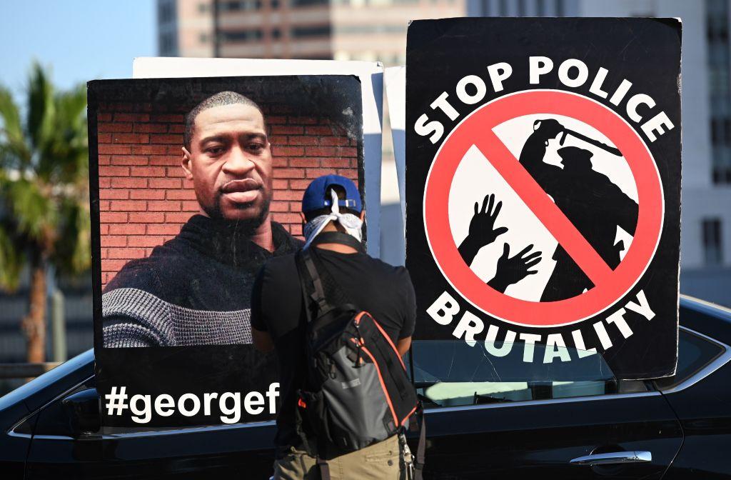 Încă trei poliţişti, inculpaţi pentru moartea afroamericanului George Floyd
