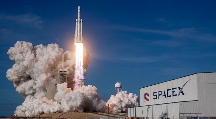 Patru astronauți, trimiși de SpaceX către Staţia Spaţială Internaţională