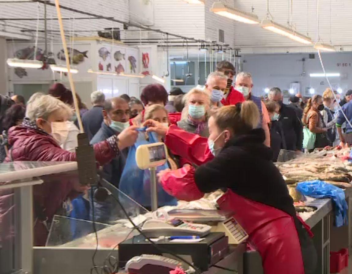 Vânzare bună la peşte, înaintea Duminicii Floriilor.