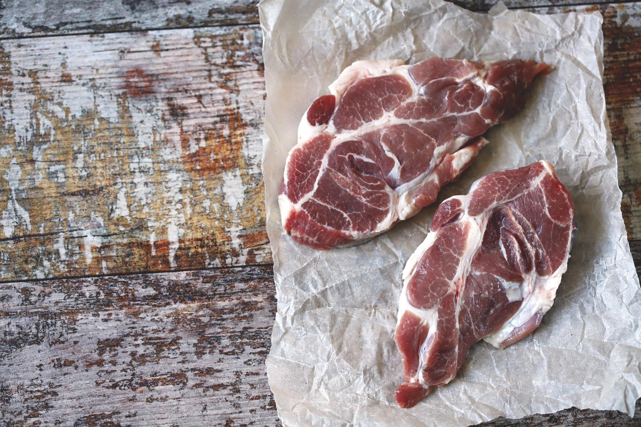 De ce este carnea la gratar la fel de periculoasa precum tigarile. Avertismentul specialistilor