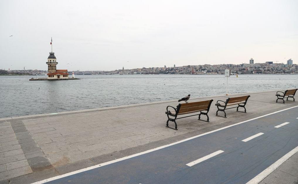 Turcia intră în lockdown de joi seara
