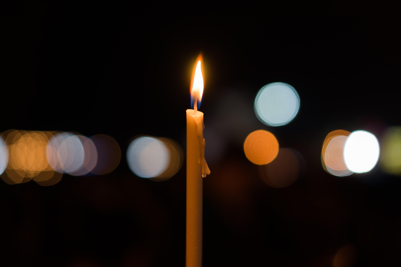 Paște 2021. Lumina Sfântă va fi adusă de la Ierusalim în România sâmbătă seară