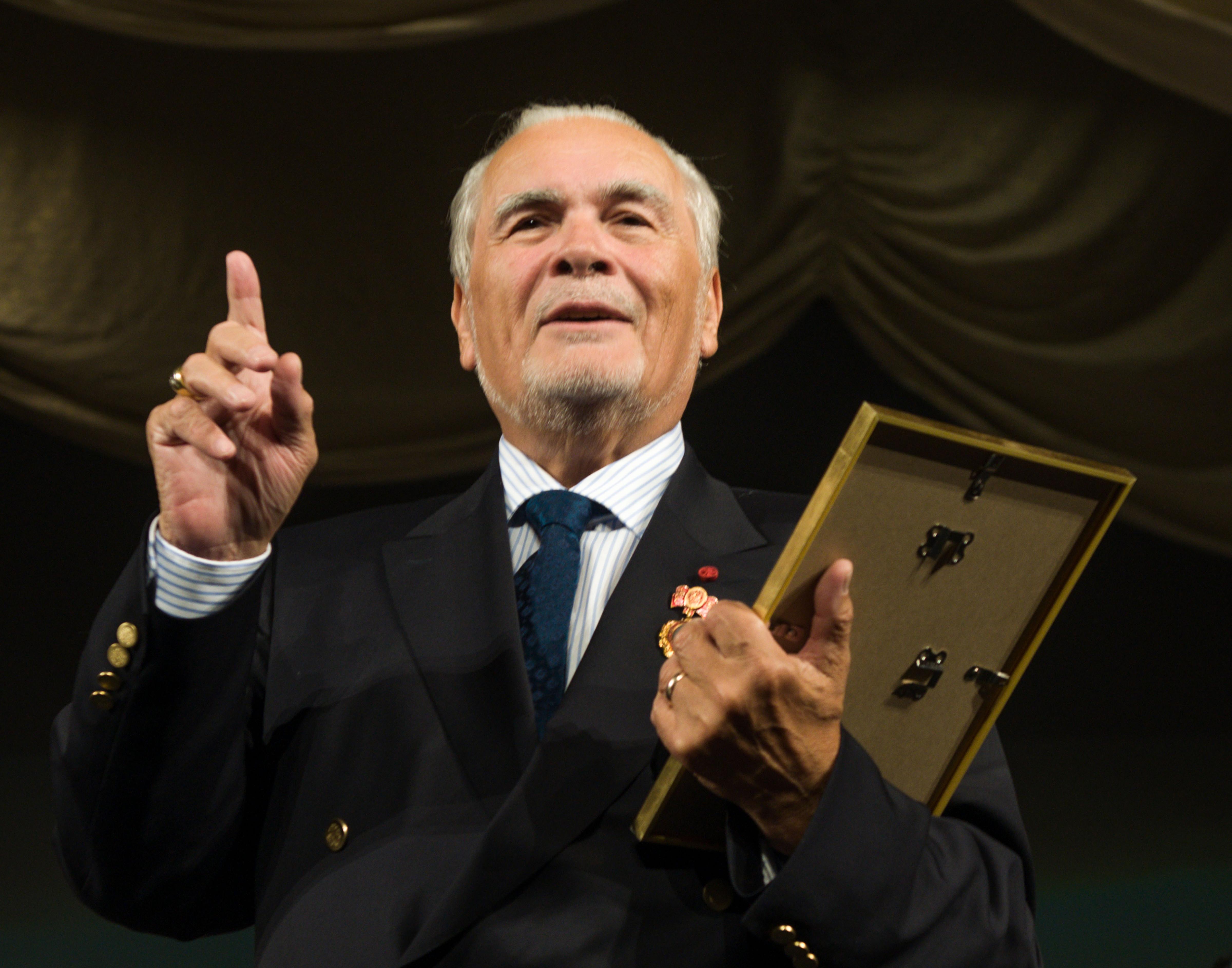 A murit tenorul Corneliu Murgu, fostul director general al Operei Naţionale Române din Timişoara