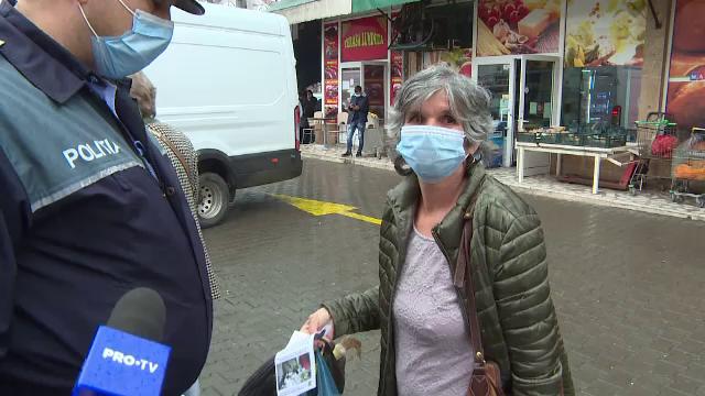 Poliţiştii din Târgu Jiu au ieşit prin pieţe, să îi înveţe pe oameni cum să se ferească de hoți