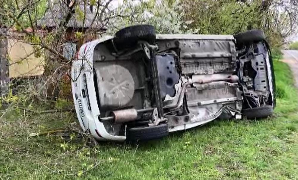 Mașină răsturnată pe DN1A. Un bărbat de 53 de ani a fost rănit