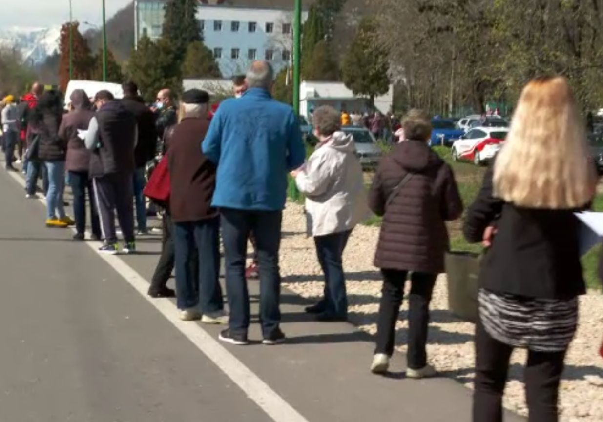 Maraton al vaccinării, și la Brașov, pe șase fluxuri. Ce ser se folosește