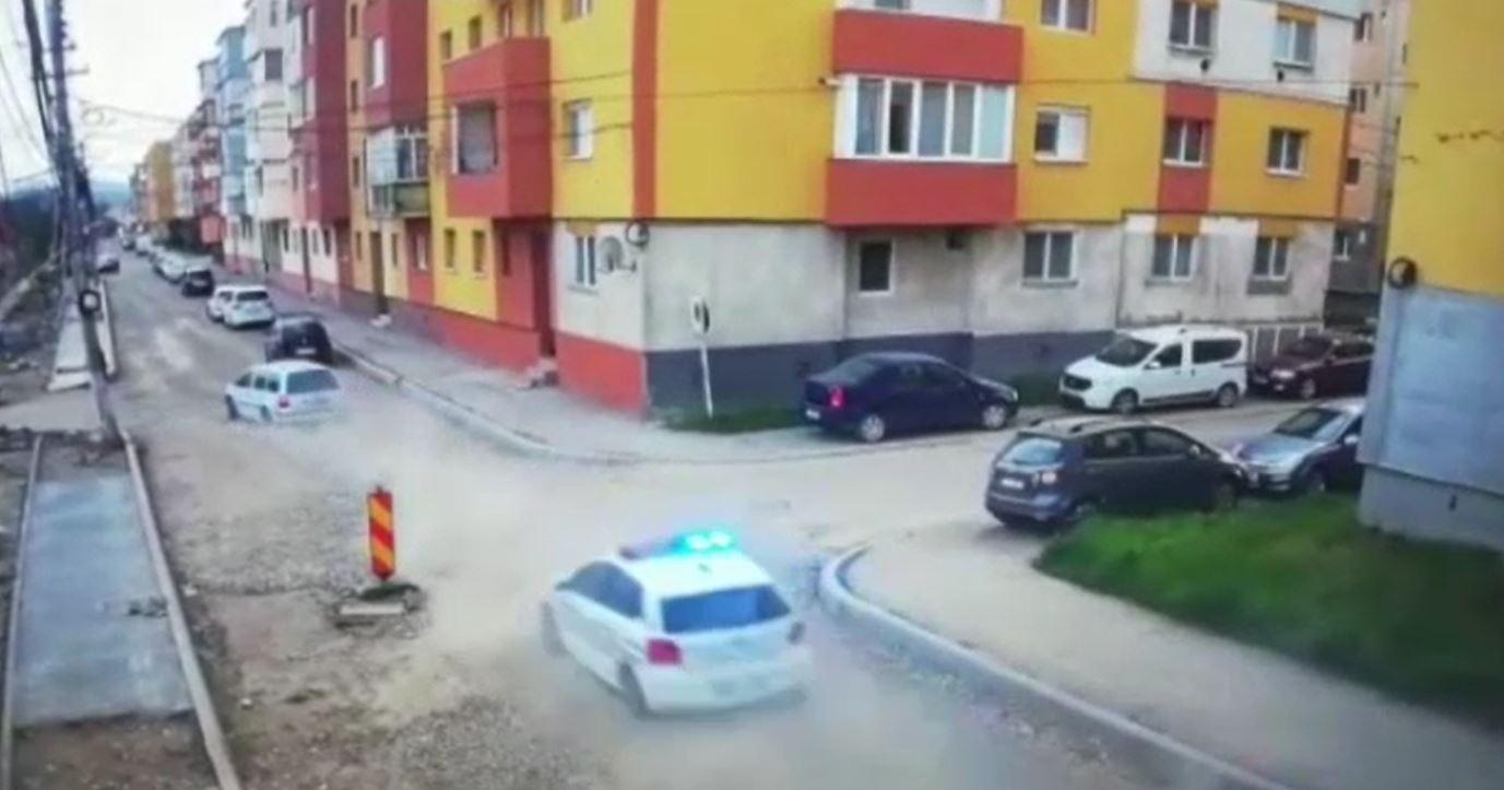 Urmărire ca în filme în Câmpia Turzii. Un bărbat a fost fugărit de poliție