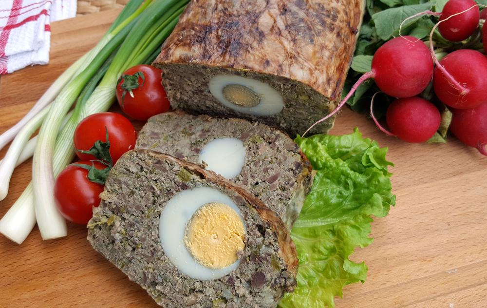 Ce se întâmplă dacă mănânci carne şi carbohidraţi de Paște, după ce ai ținut post. Avertismentul unui medic