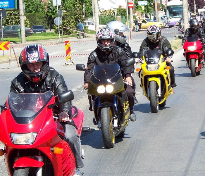 2.000 de motociclisti au petrecut sambata noaptea in statiunea Mamaia