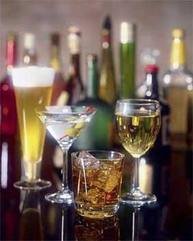 500.000 de rusi mor anual din cauza alcoolului! Vodca se scumpeste cu 50%