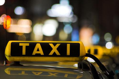 Taximetristii vor avea cazier profesional. Refuzi o cursa, poti fi reclamat