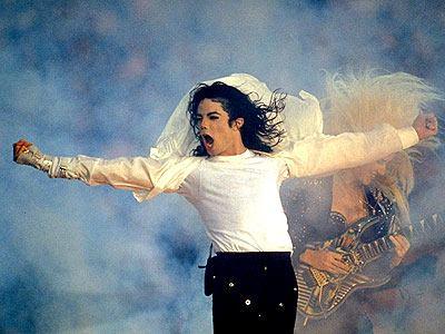 Cum a ajuns Aaron Paul, starul din Breaking Bad, sa se imbete impreuna cu Michael Jackson, la o petrecere