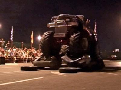 Show cu Samson si Godzilla! Doi giganti cu motoare de 400 de cai putere