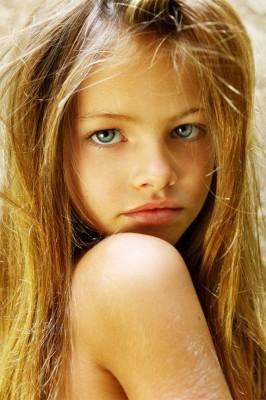 Cea mai frumoasă fetiță din lume are acum 18 ani. Cum arată în costum de baie