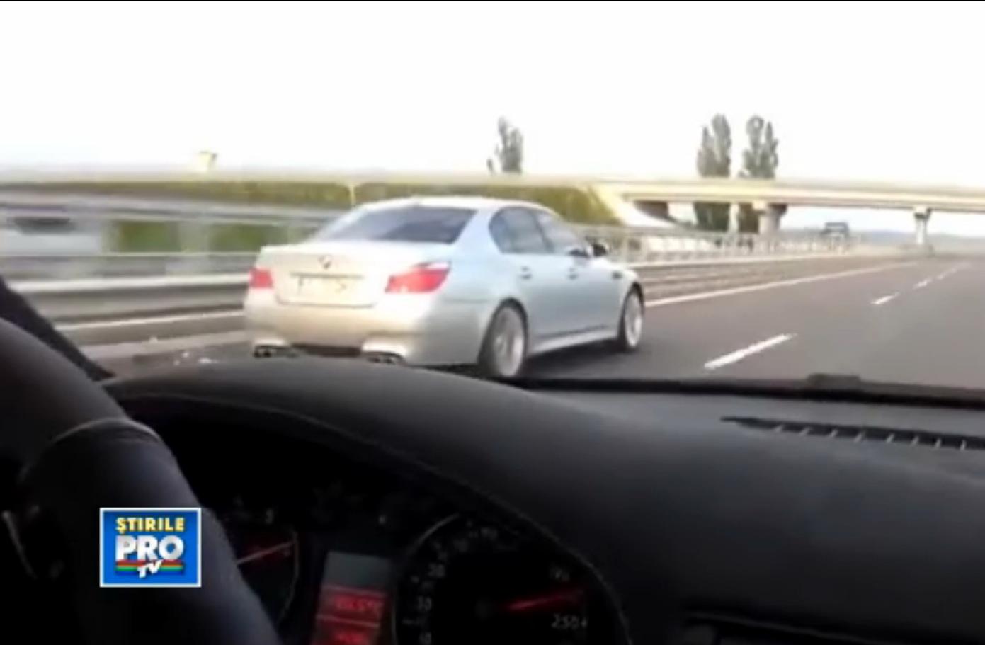 Record de viteza pe autostrada Bechtel. Intrecere cu peste 300 km/h. Politia a gasit un sofer. VIDEO