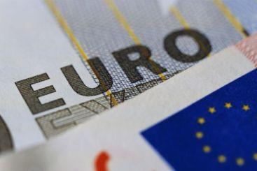 Fitch: Creditarea in valuta ar putea reporni in Romania, cu risc de instabilitate financiara