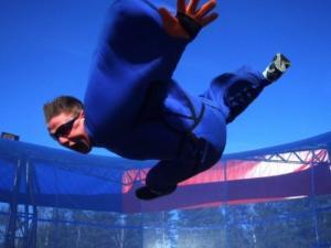 Vrei sa te simti ca Superman? Corespondentul Stirilor ProTV, Rares Nastase, a incercat Wind-Tunnel